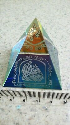 Glass Prism Small Pyramid With Women & Crib Inclusion • 2.75£