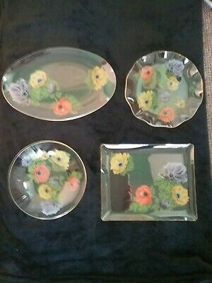4 Vintage Glass Plates With Floral Print And Gold Fluted Edges. • 24.95£
