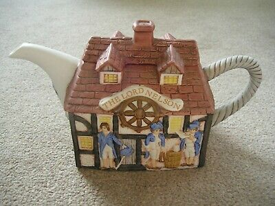 Lord Nelson Teapot. • 2.50£