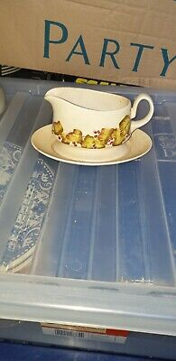 Carlton Ware Gravy Boat And Stand Vintage Unusual Interesting Collectable Design • 6£