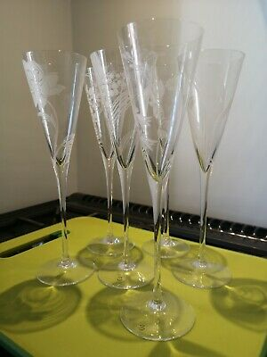 Etched Glass Champagne Flutes • 5.70£