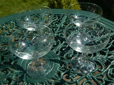 4 Vintage Glass Dessert Dishes / Champagne Saucers Glasses Coupes • 8£