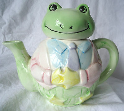 Frog Wearing A Suit Teapot 6  Collectible - Taiwan 1980's Vintage VGC • 12.99£