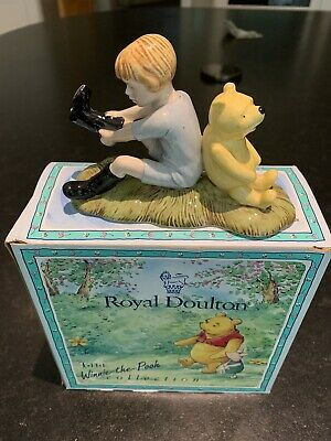 Royal Doulton: The Winnie-the-Pooh Collection. Christopher Robin & Pooh. • 25£