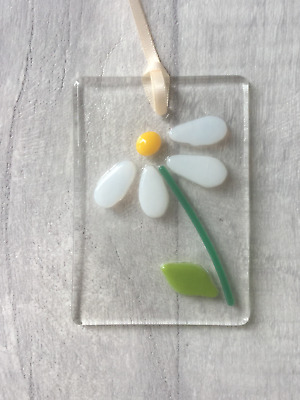 Daisy Flowers, Fused Glass, Sun Catcher, Light Catcher, Hanging • 6£