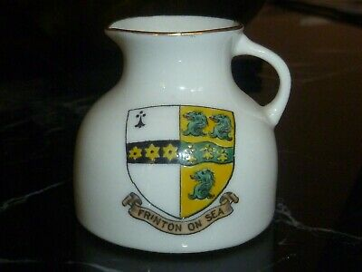 WH GOSS Crested China Model Of The Scarborough Jug. Crest Of Frinton-On-Sea • 3£