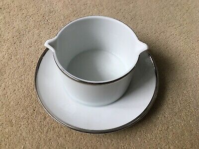 Thomas China - White With Wide Platinum Band: Sauce Boat & Stand • 9.99£
