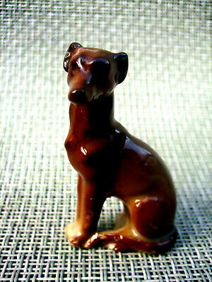 A Tiny Vintage Miniature Porcelain Figurine Of A Greyhound Or Whippet Type Dog • 15£