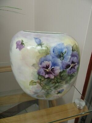 Hand Painted Pansy Vase, By Sheila Wood, Mint Condition • 25£