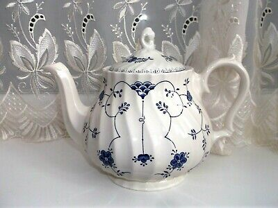 Churchill **finlandia ** Teapot • 20£