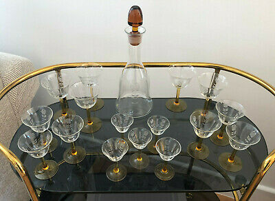 A Beautiful Decanter And 16 Glasses In Art Deco Style • 50£