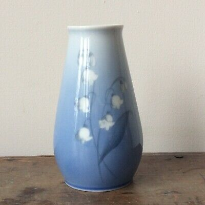 Small Vintage Bing & Grondahl Lily Of The Valley Pale Blue White Porcelain Vase. • 15£