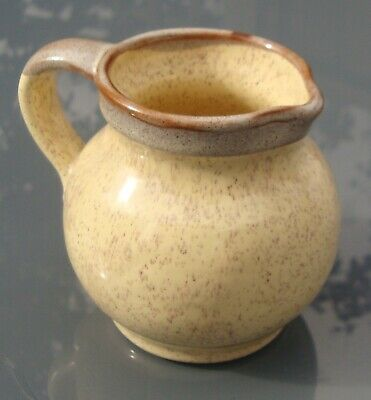 Prinknash Pottery (Eng) Speckled Creamer / Jug, Buttermilk Yellow, Height 9cm • 4£