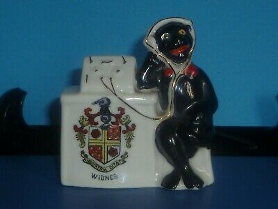 Arcadian Crested China Black Cat Operating Radio. Crest Of Widnes • 20£