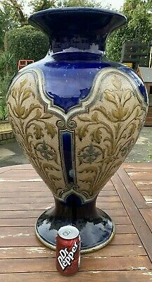 Royal Doulton Exhibition Vase Signed By Eliza L Hubbert Circa 1887 - A RARE VASE • 950£