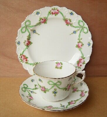 Crown Staffordshire Green Buds Swags Trio • 20£