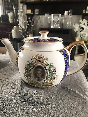 Ringtons Royal 50th Commemorative Teapot. Wade Pottery • 10£