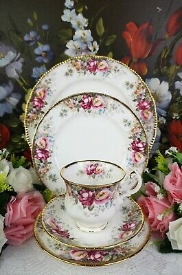 Queen Anne ''Summer Rose'' Bone China Made In England • 35£