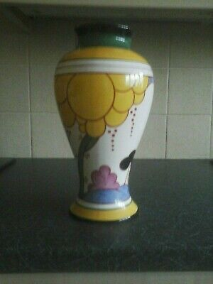Clarice Cliff By Wedgewood Summerhouse Vase. • 495£