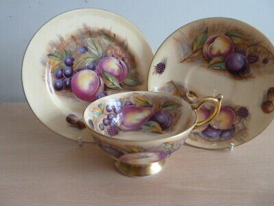 Stunning Aynsley Trio Painted With Fruit Design Must See • 31£