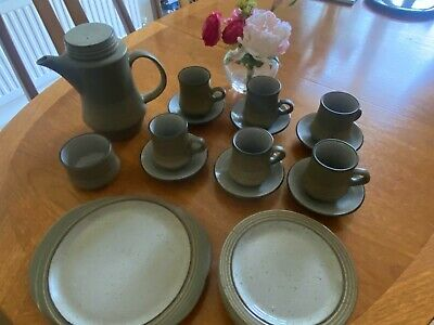 Purbeck Pottery Tea-/Coffee Set + Cereal Bowls   • 16£