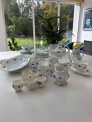 4x Adderley Blue Chelsea Cup And Saucers • 10£
