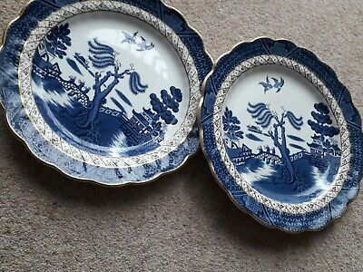 2x Old Willow Blue And White Dinner Plates Booths. • 7.99£