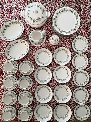 Royal Doulton Expressions Tiverton 46 Piece Dinner Service Good Used Condition  • 26.80£