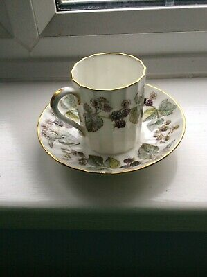 Royal Worcester Coffee Can/demitasse And Saucer   Lavinia  Pattern • 4£