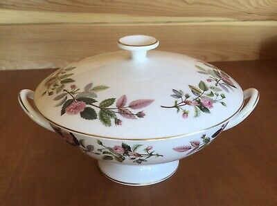 Wedgwood Hathaway Rose Tureen / Covered Vegetable Dish • 30£