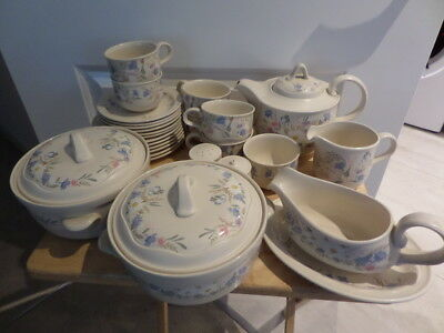 POOLE POTTERY - SPRINGTIME - Dinner Ware - Available From Drop Down Menu • 12£