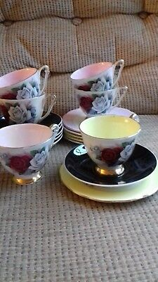 6 Queen Anne Floral Harlequin Trios With Black Saucers • 25£