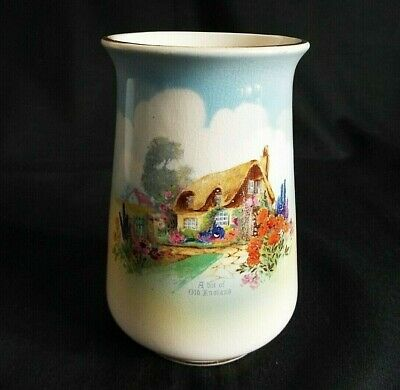 Falcon Ware 'a Bit Of Old England' 4.1/2  Vase • 3.95£