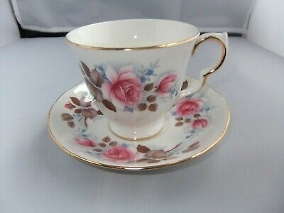 Queen Anne Bone China Pink/Floral/Rose Cup & Saucer • 2.99£