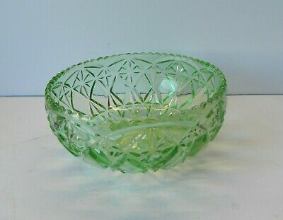 Antique Green Crystal Glass Bowl • 15£