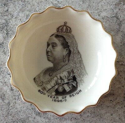 Queen Victoria 60th Year Transfer Souvenir Dish - Goss & Crested China • 30£
