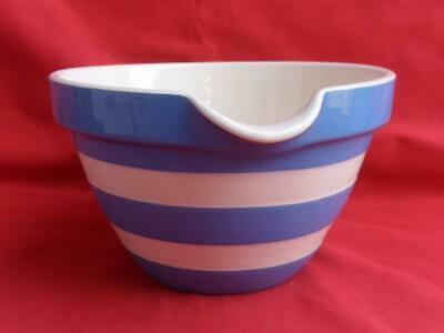 T.G. Green - Blue Cornishware - Lipped Bowl • 19.50£