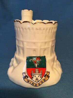 Willow Crested China Windsor Castle Round Tower. Windsor Crest • 8£