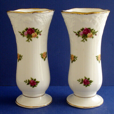 A Matching Pair Of Royal Albert Old Country Roses  Vases • 3.99£