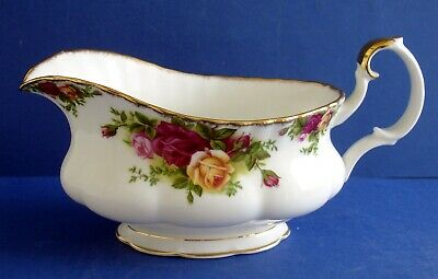 Royal Albert Old Country Roses Gravy Boat • 0.99£