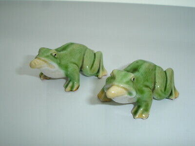 Two Antique Porcelaine Frogs  3 Inches In Length - 1.5 Inches Tall • 4.99£