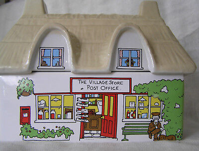 Wade Biscuit Or Sweet Box 'the Village Stores' Vintage • 24.99£