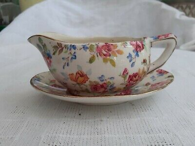Royal Winton Small Sauce Boat & Saucer - Pattern Victorian Rose • 7£