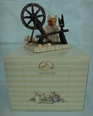 Royal Doulton BRAMBLY HEDGE Figure Lily Weaver Spinning DBH 58 • 34.99£