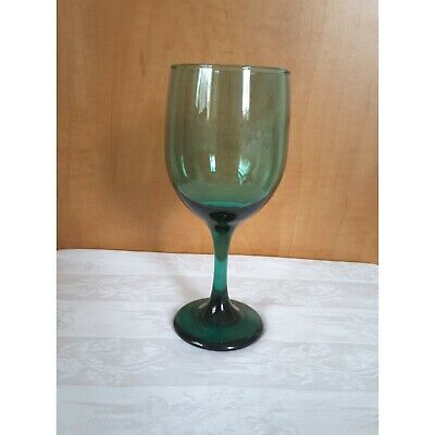 Elegant Dark Green Wine Glass  • 19.95£