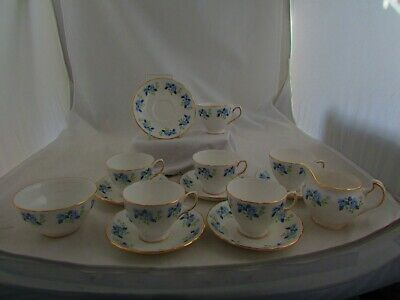 ROYAL VALE 14 X PIECE FLORAL TEA SERVICE • 15£