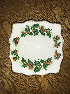 Queens Yuletide Cake Fluted Nut Dish Vintage China • 10.99£