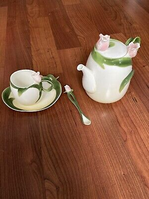 Graff Porcelain Set Of Jug, Cup, Plate And Spoon Tulip Collection Exellent Condi • 25£