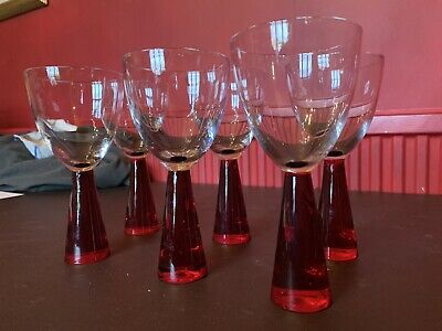 Solid Red Bottom Wine Glass  • 8.50£