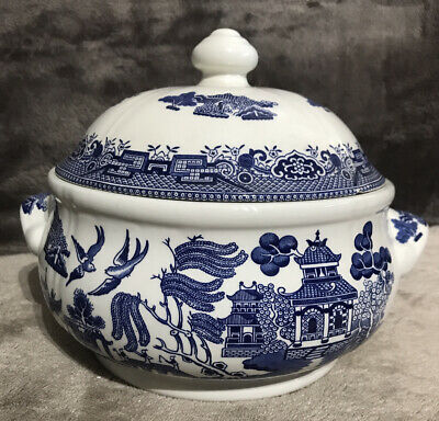 """Churchill England WILLOW TUREEN / DISH WITH LID - BLUE And WHITE -Approx 7"""" Tall • 45£"""